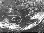 「ひまわり8号」可視画像&天気図合成 2017年4月13日12時JST