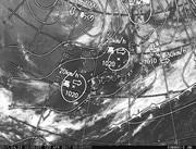 「ひまわり8号」可視画像&天気図合成 2017年4月23日12時JST