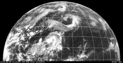 2013年6月8日21時 ひまわり7号赤外線画像