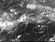 ひまわり8号赤外線画像&天気図合成 2016年7月3日12時JST
