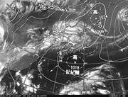 ひまわり8号赤外線画像&天気図合成 2016年7月5日12時JST